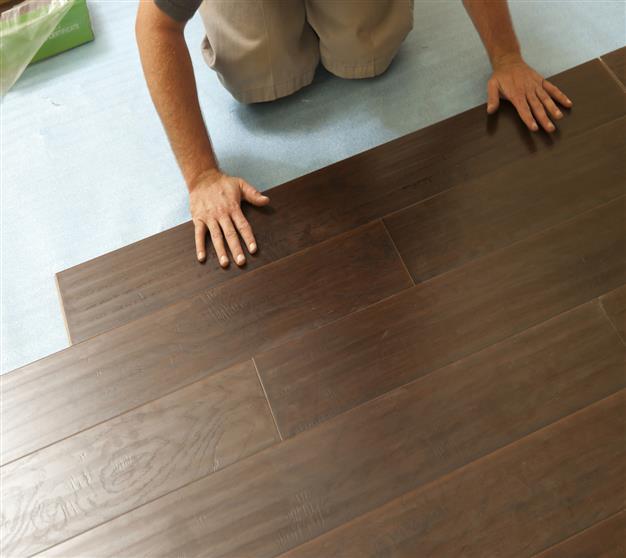 Top 28 laminate floor service wood laminate flooring for Laminate flooring services